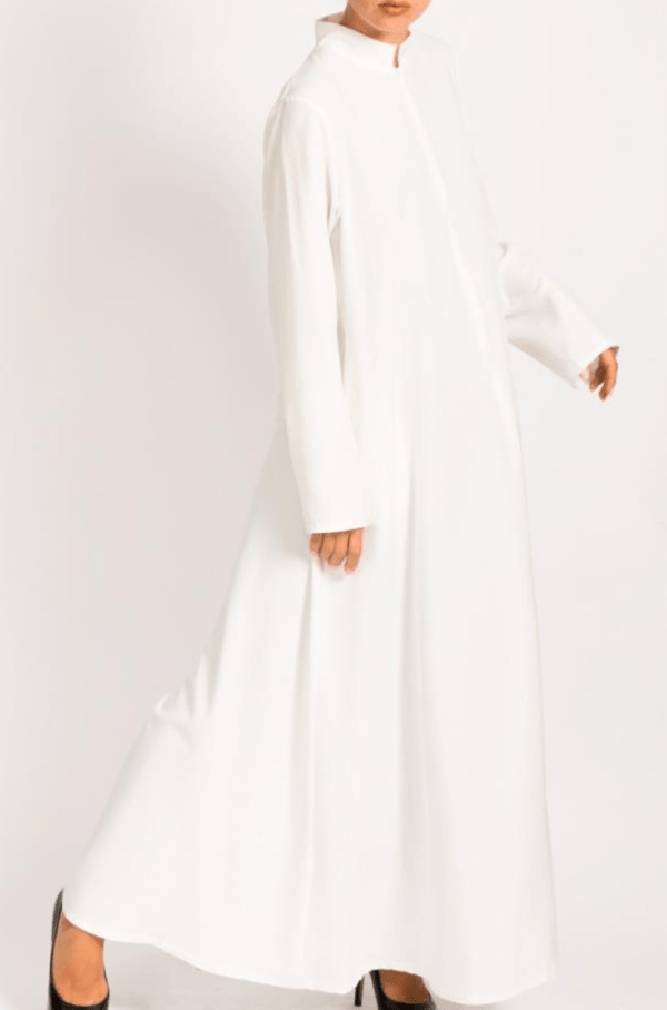 Front zip white abayah with pockets on each side - Q&S Islamic Store