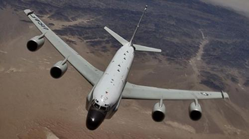 RC-135 recon plane buzzed by russian jet