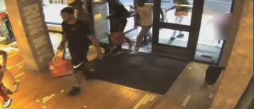New York Flash Mob robs store