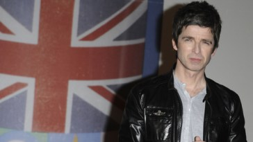 noel gallagher slams islam