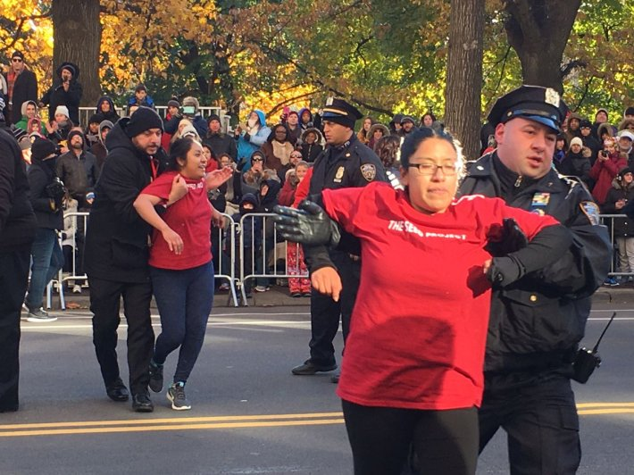 illegals interrupt macy's thanksgiving parade 1