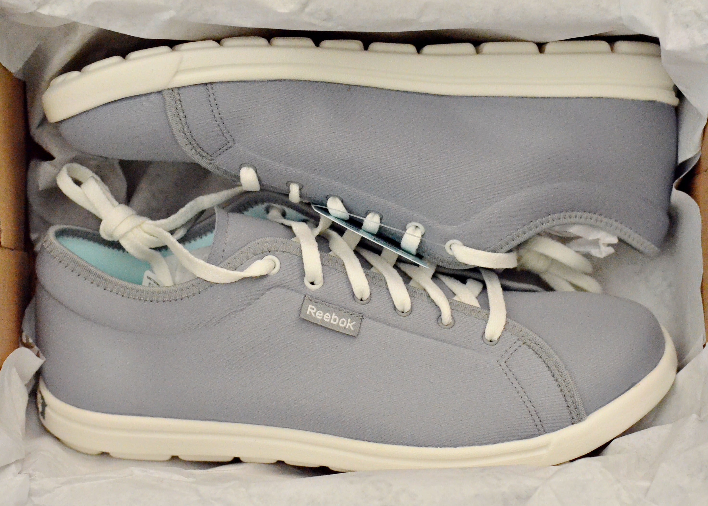 I ve been looking for a cute pair of tennis shoes that are easy 68a4c4ead