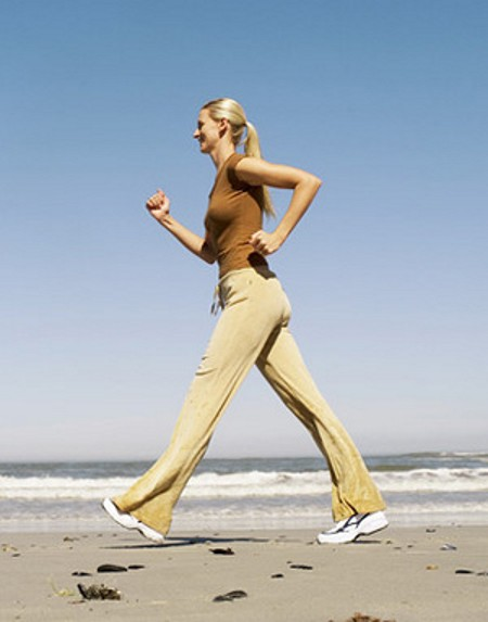 Want To Look Fab This Summer? Follow This Easy Walking Weight Loss Program