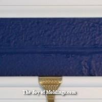 border color below crown molding