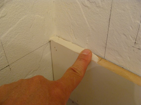 glue for moldings