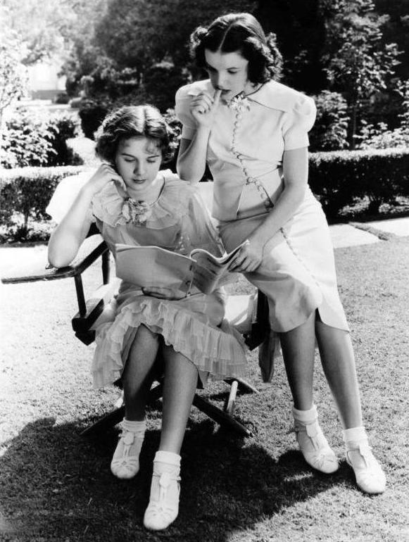 """Every Sunday"" with Judy Garland and Deanna Durbin"