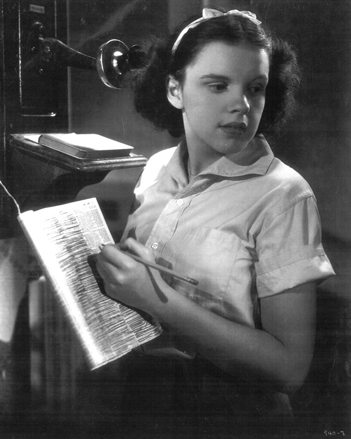 Judy Garland in Every Sunday