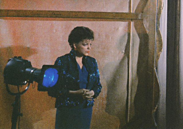 """Judy Garland in """"I Could Go On Singing"""""""