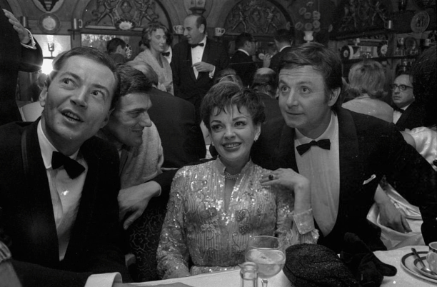 Judy Garland with Mark Herron, Lionel Bart, and Kenneth Haigh September 23, 1964