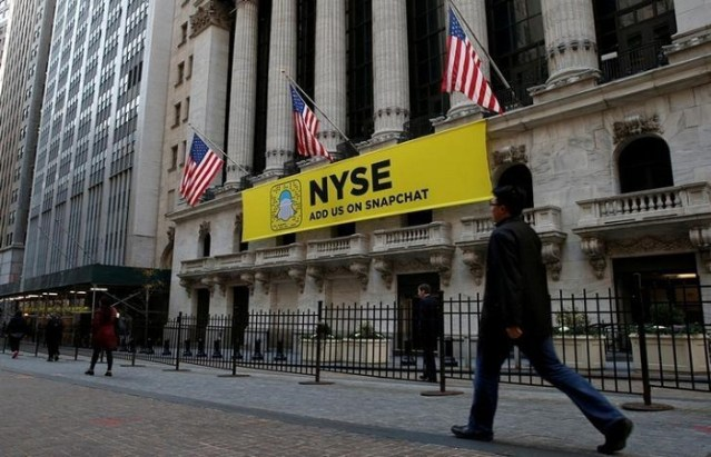 Coronavirus: New York Stock Exchange trading floor reopens