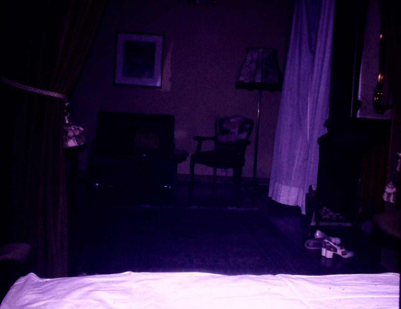 Hotelzimmer in Ungarn, aus Familienbesitz, kasaan media,2019