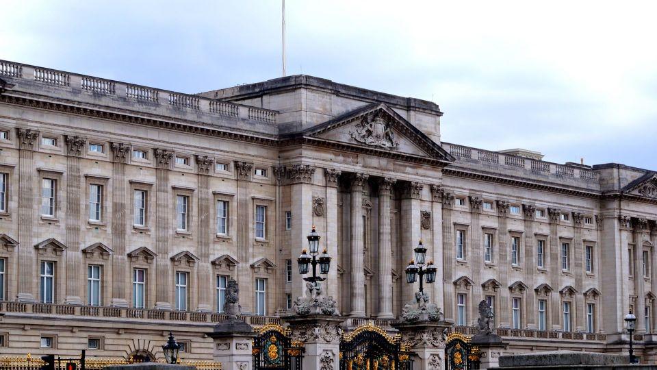 Rassismus, Menschenverachtung, Prinz Andrew und das zynische System der britischen Krone