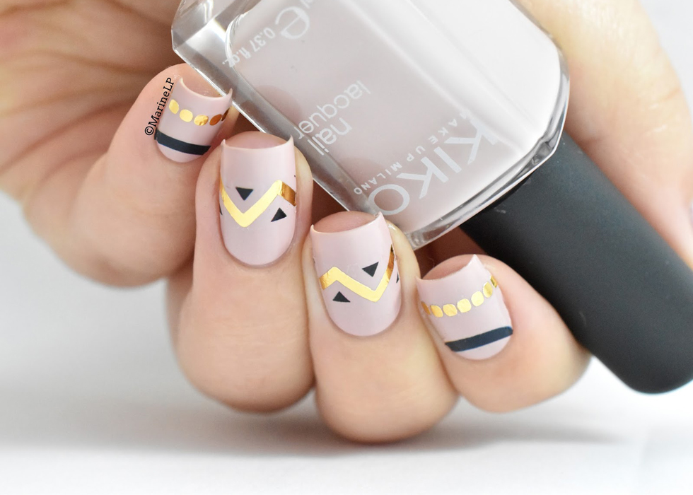 10 Minimalist Nail Art Ideas For Grown Ups