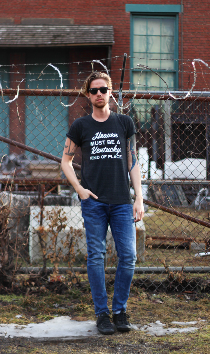The Kentucky Gent in Kentucky for Kentucky T-Shirt, Zara Jeans, Converse Chucks, and Ray-Ban Wayfarers