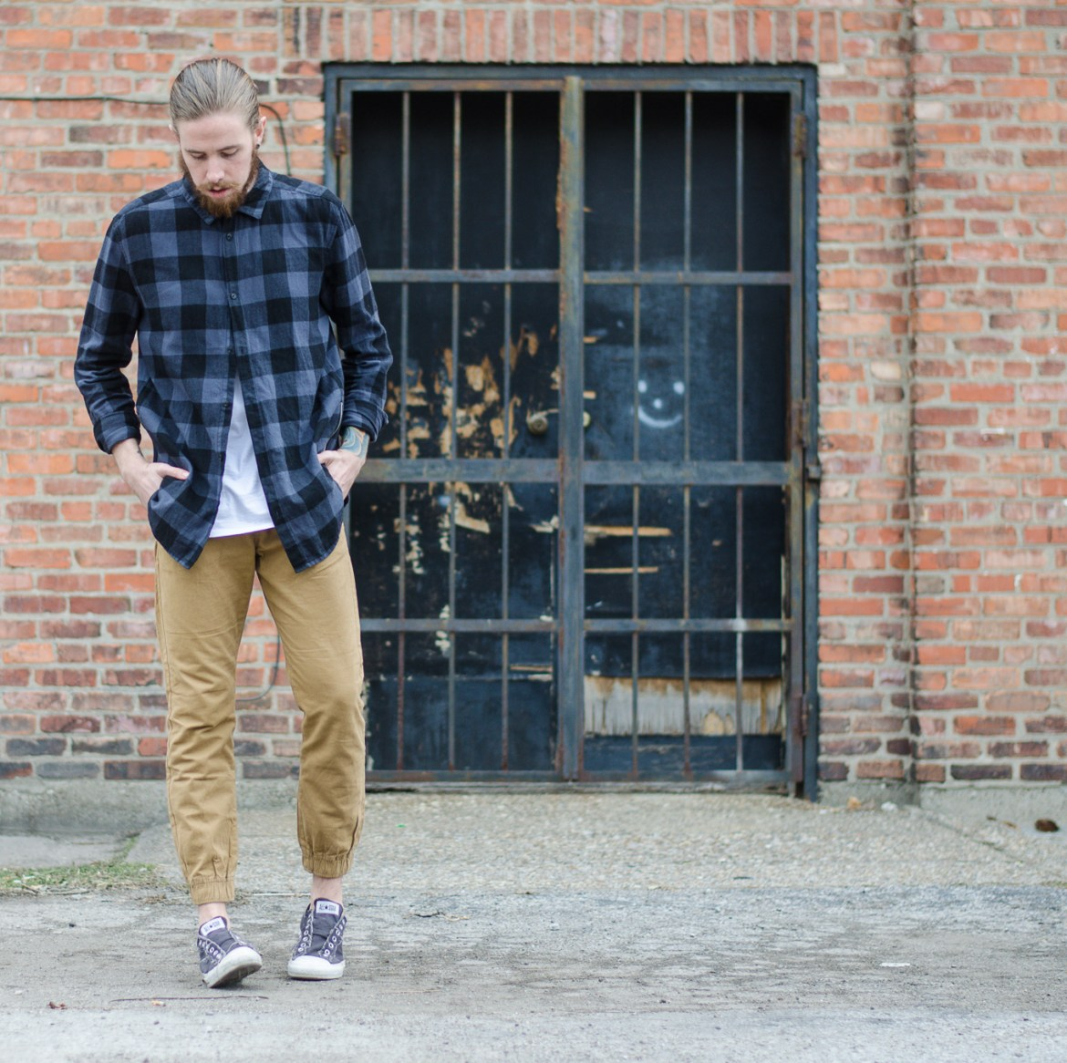The Kentucky Gent, a Louisville, Kentucky men's life and style blogger, with American Eagle Outfitters on thekentuckygent.com.
