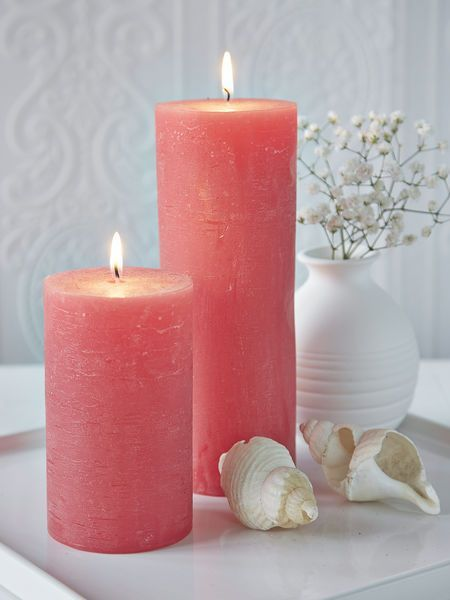 Candle decor in Living coral colour