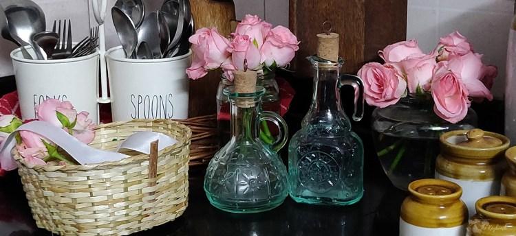 Jayashree Rajan's garden apartment tour on The Keybunch: kitchen accessories