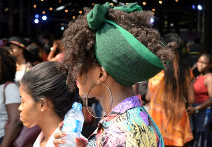 Hair inspiration from SLAY Festival- Style curls with a scarf
