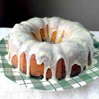 How to Make a Lemon Icing Glaze