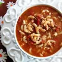 Classic Beef & Tomato Macaroni Soup