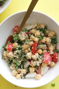 This quinoa chickpea greek salad is vegan, gluten free, and a healthy barbecue dish! It's filled with nutrients, healthy carbs, protein, and a light, greek flavor.
