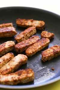 This spicy barbecue tempeh is paired with a delicious cilantro lime quinoa and makes for the perfect vegan and gluten free dinner.