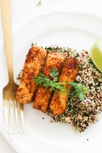 This spicy barbecue tempeh is paired with a delicious cilantro lime quinoa and makes for the perfect vegan andgluten free dinner.