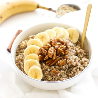 This banana bread buckwheat breakfast bowl is vegan, gluten free, filled with flavor, and a great oatmeal alternative. It's naturally sweet and fuels you for the day!