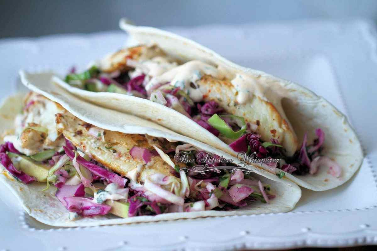 Grilled fish soft tacos with baja cream sauce for Recipe for fish taco sauce