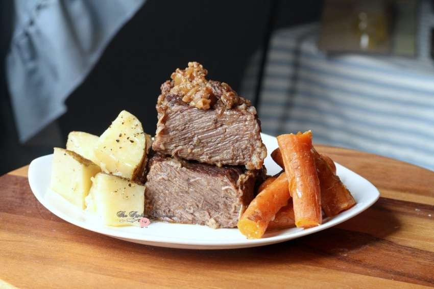 Pressure Cooker Beef Short Ribs Taters Carrots1