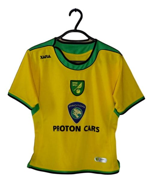 2005-06 Norwich City Home Shirt