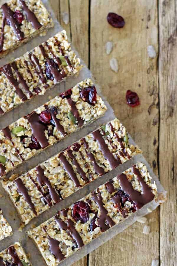 These No Bake Peanut Butter Chia Bars are the perfect healthy snack. They are tasty, full of great ingredients and only take 15 minutes to make! | thekiwicountrygirl.com