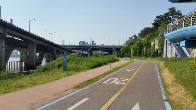 Yeouido (5) - vélo au bord de la riviere Han - Blog corée du Sud - the korean dream
