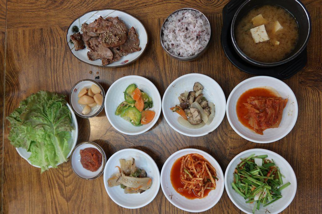 Repas traditionnel restaurants coréens