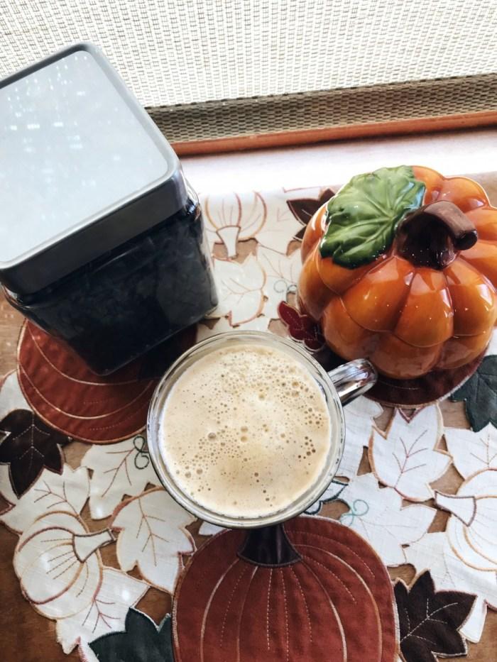 Healthy Homemade Pumpkin Spice Latte // The Krystal Diaries