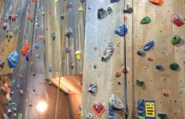 Climb Kalamazoo offers students fun and exercise [Megan Rigney / The Index].