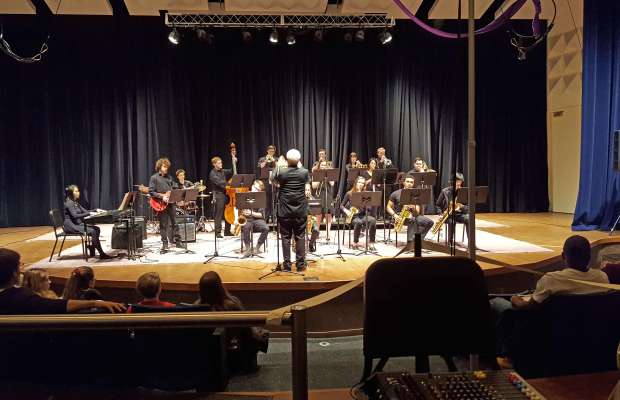 Kalamazoo College Jazz Band took audiences on an imaginary getaway through the melodies of jazz (Uyen Pham / The Index).