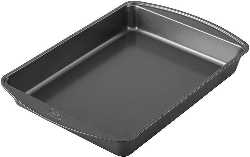 7. Wilton Nonstick Lasagna and Roasting Pan