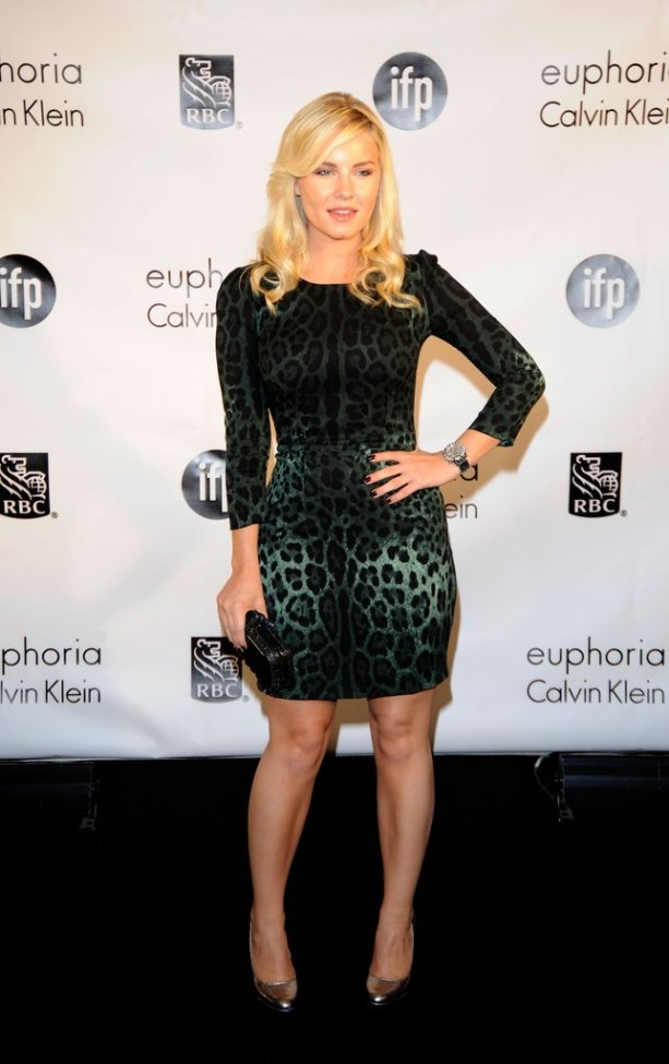 Elisha Cuthbert in a leopard print dress by Dolce & Gabbana | The Updated Canadian Tuxedo: Canadian Celebs in Leopard Print | The Lady-like Leopard