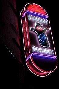 IMG_2344 Voodoo Doughnut, Portland Oregon, www.thelandrovers.com