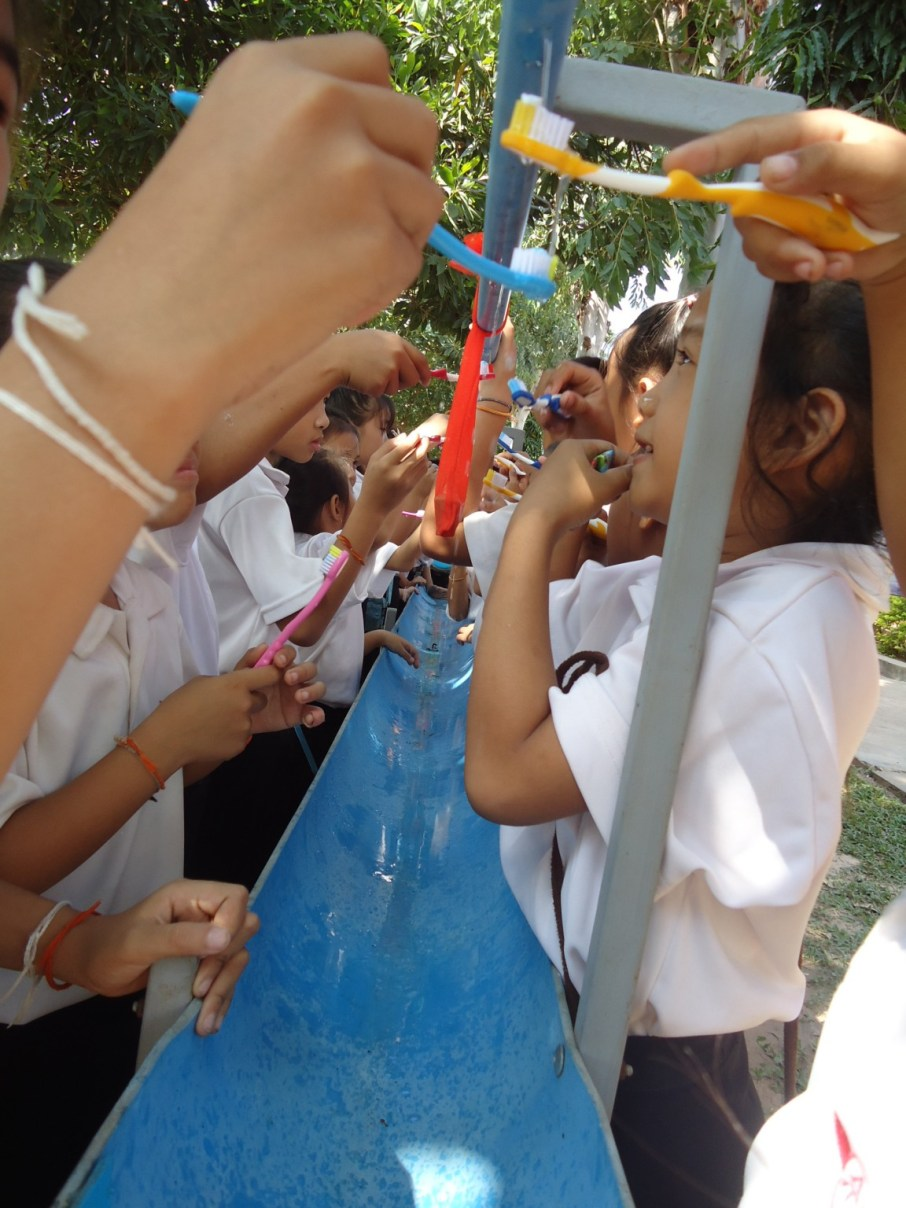 Tooth-brushing project of Ban Sikeud Primary School