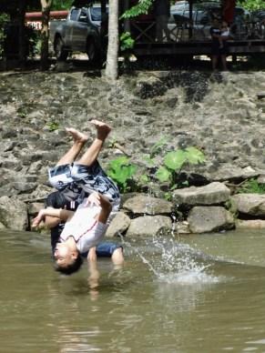 Chanpasong somersaults