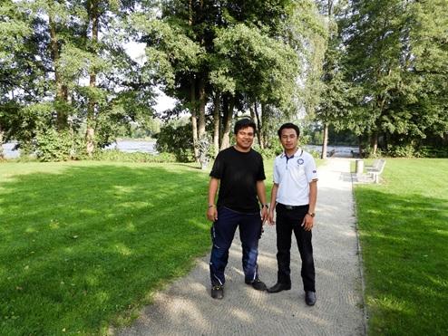 Me and my colleague Phonesavanh Chachueayang