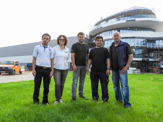 Phonesavanh Chachueyang, Carina Adam, Christian Schart (both UeBZO), me and Horst Linder (UeBZO) in front of the new BHS headquarter in Weiherhammer