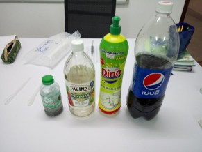 Everyday substances are bases or acids: That is what the pupils had to find out.