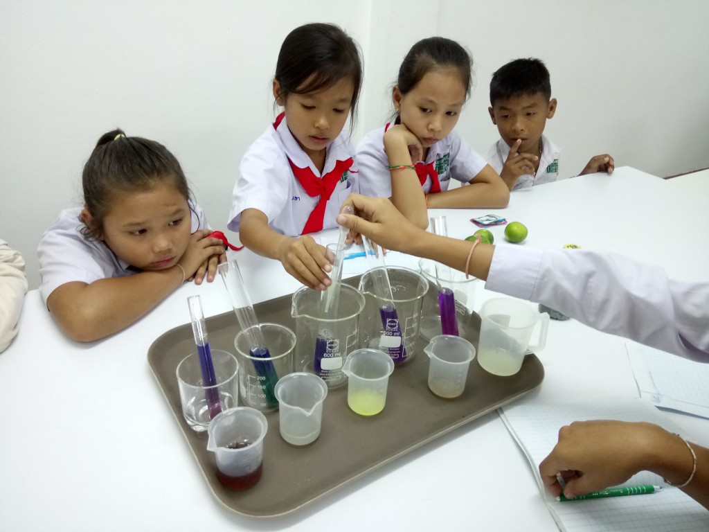 Busy hands, busy brains – Hands-on science lessons at Ban Phang Heng Secondary School