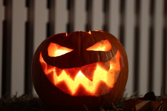 A creepy Jack-o'-lantern for Halloween. Source: www.pixabay.com
