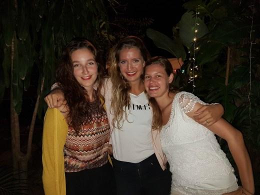 Ariane, Sandra, and Nina from Team V