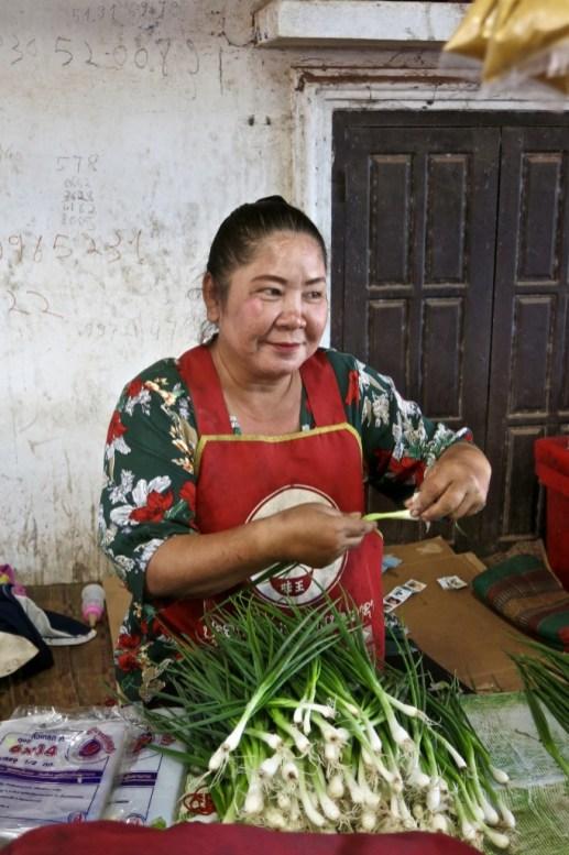 Market seller, Ban Sikeud