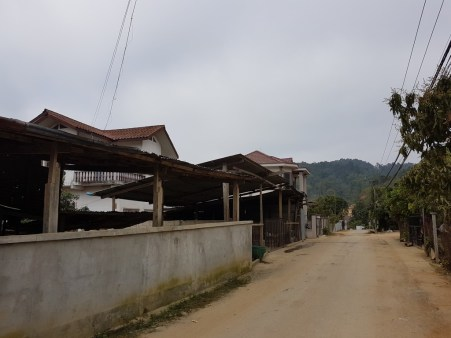 On our way to Ms Khamsee's accomodation in Houaphan Province...